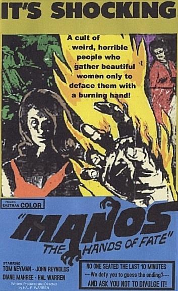 """""""Manos: The Hands Of Fate"""" (1966), de Harold P. Warren: A trama sem pé nem cabeça, as interpretações ruins e os efeitos visuais primários ajudaram a criar a fama deste longa de terror como um dos piores filmes de todos os tempos. Na década de 1990, também ganhou status de cult"""