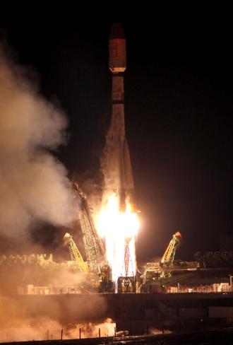 7.fev.2013 - O foguete russo Soyuz colocou em órbita seis satélites norte-americanos Globalstar. O lançamento ocorreu do cosmódromo de Baikonur, no Cazaquistão, na noite desta quarta-feira (6), em Moscou