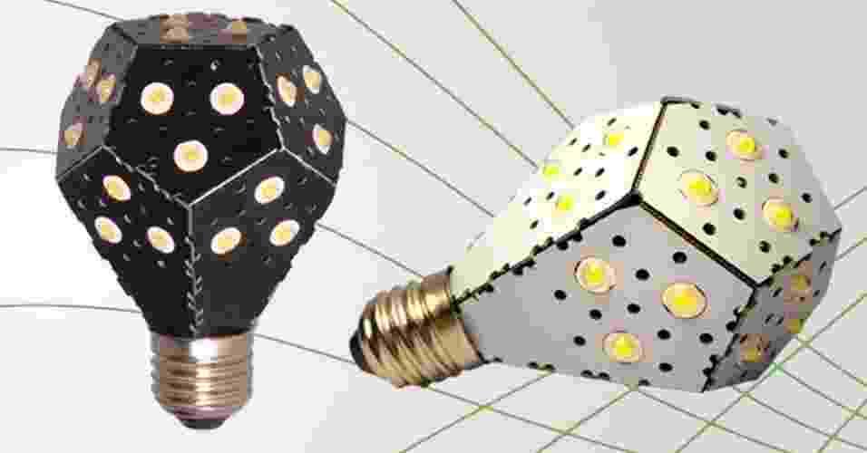 7.fev.2013 - Um trio de canandenses desenvolveu uma fonte de luz de LED de 12 watts que brilha como uma lâmpada incandescente de 100 watts. Eles afirmam que a Nanolight é a lâmpada mais eficiente do mundo. O produto tem uma placa de circuitos com pontos de luz de LED e é dobrada na forma de um bulbo que se conecta a uma instalação elétrica comum - Nanolight/Divulgação