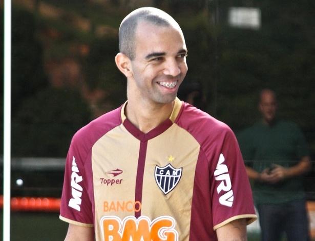 Atacante Diego Tardelli, do Atlético-MG na Cidade do Galo
