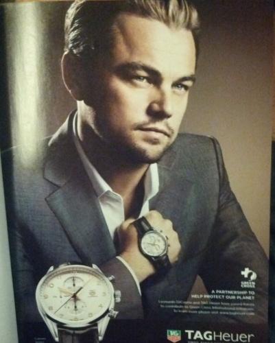 O ator Leonardo de Caprio foi a estrela de um anúncio de relógios da marca Tag Heuer. Mas a mão dele ficou desproporcional em relação ao restante do corpo -- o retoque de Photoshop dá a impressão de que o item foi ''implantado'' na cena