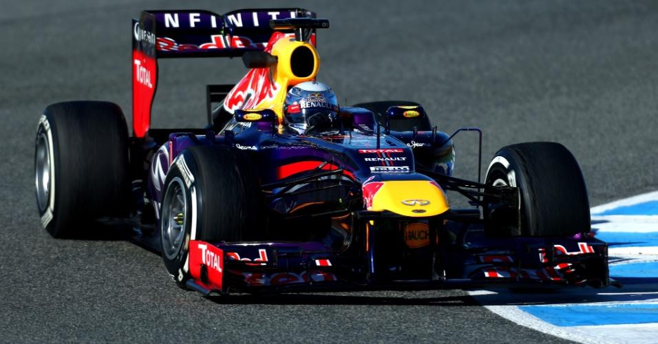 08.fev.2013 - Sebastian Vettel, da Red Bull, participa das atividades em Jerez no último dia de testes coletivos