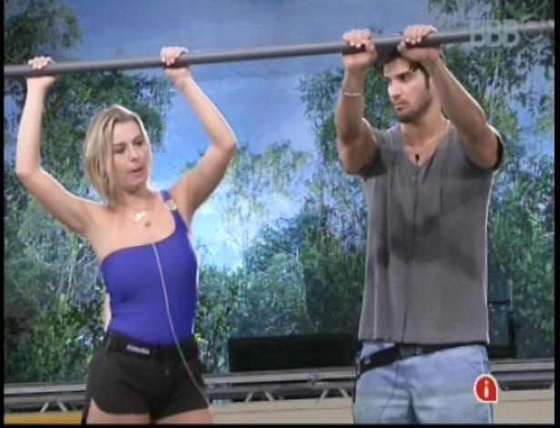 8.fev.2013 - Fernanda e Marcello permanecem na prova pela liderança