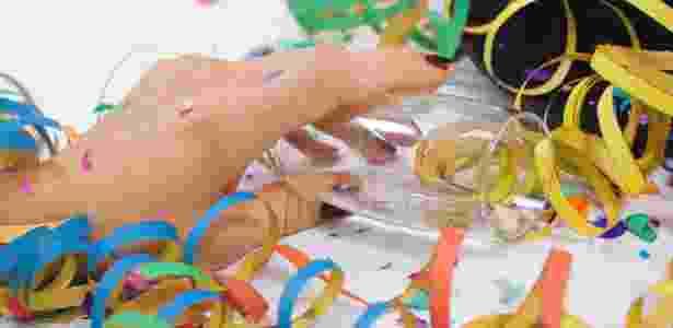 Excesso de álcool pode derrubar o mais fiel dos foliões e se recuperar pode ser uma missão ingrata - Thinkstock