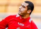 Jogador acusa Fábio Costa de chamá-lo de macaco e ameaça processo; goleiro minimiza