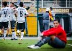 Fábio Costa ganha R$ 3,5 milhões em dois anos, mas só joga duas vezes