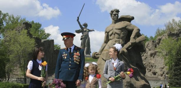 Georgi Kireev é um veterano de guerra que visita o próprio túmulo há 70 anos, desde que foi dado como morto