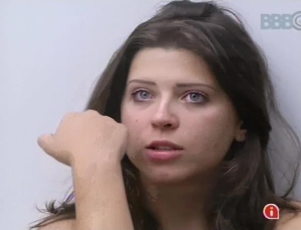 10.fev.2013 - Andressa pede para brothers parabenizarem a mãe dela, que está de aniversário