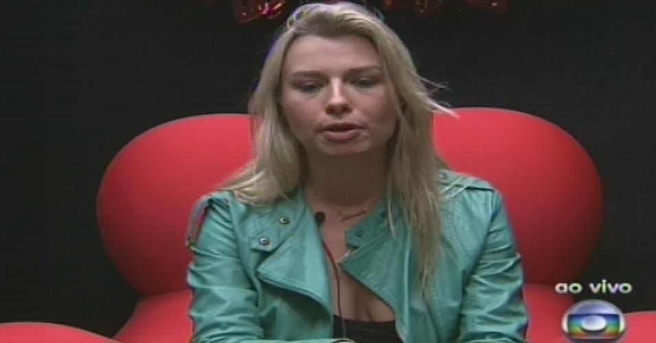 """10.fev.2013 - Fernada vota em Fani no quinto paredão do """"BBB13"""", devido à """"incompatibilidade de jogo"""" entre as duas"""