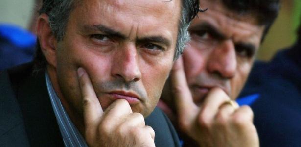 Baltemar Brito (ao fundo) foi o braço direito de José Mourinho por quase dez anos