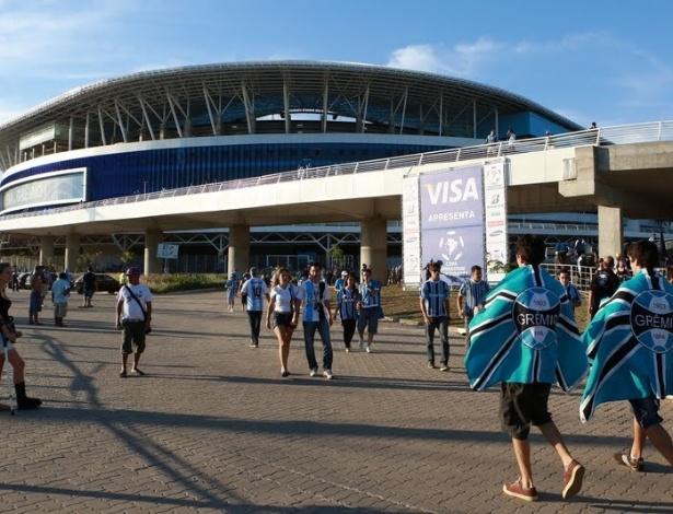 Torcedores do Grêmio chegando na Arena para o jogo contra a LDU pela Libertadores da América (arquivo)