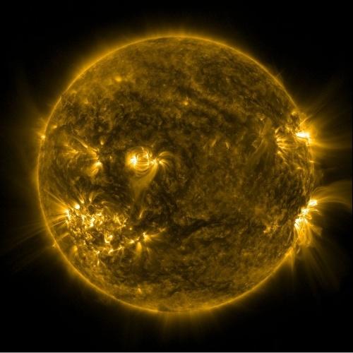 Imagem do SDO de 10 de julho de 2012 mostra região ativa do Sol 1520