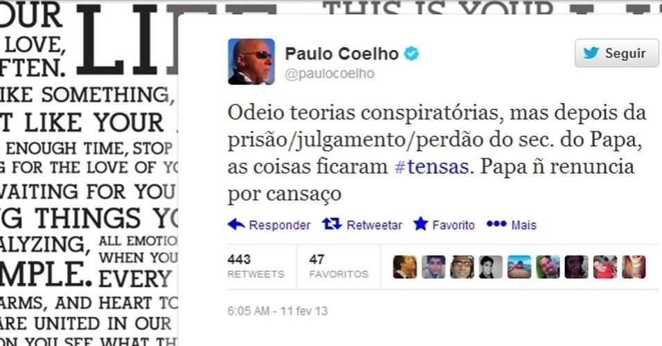 O escritor Paulo Coelho disse em sua página no Twitter que a renúncia do papa Bento 16, comunicada nesta segunda-feira (11), não foi por acaso