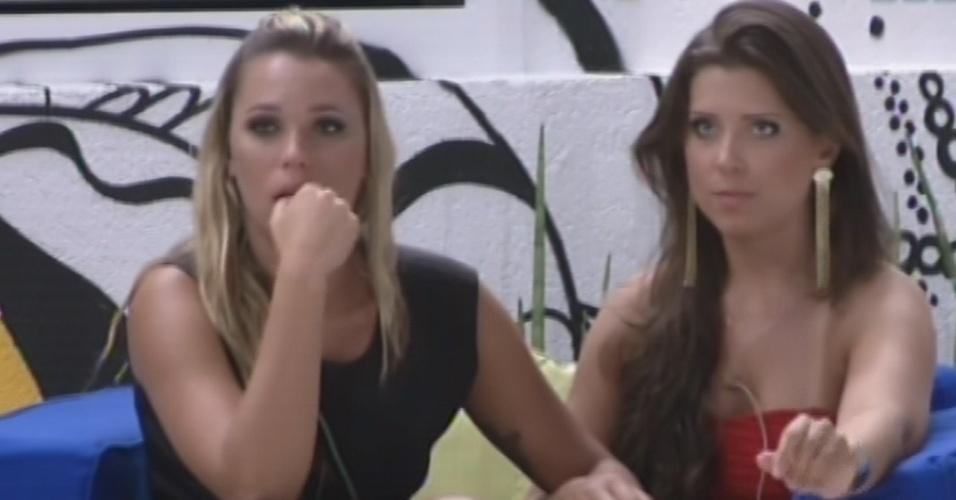 12.fev.2013 - Andressa diz a Marien que acredita que ela ficará na casa