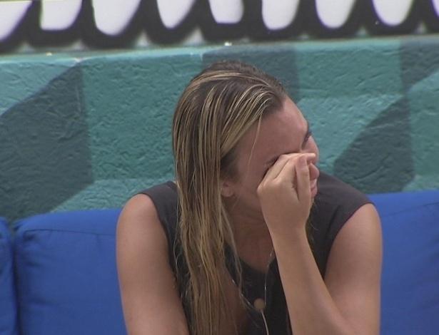 12.fev.2013 - Marien chora antes do paredão