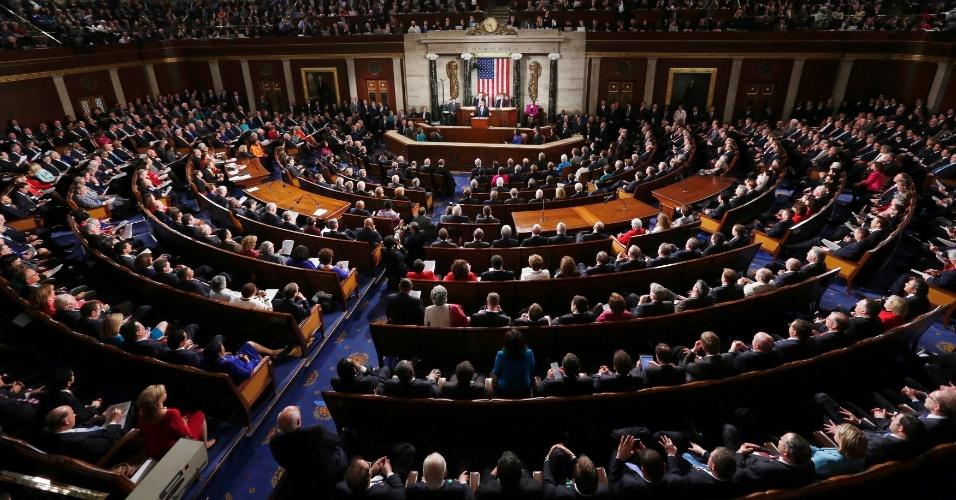 13.fev.2013 - O presidente americano, Barack Obama, faz o seu tradicional discurso do Estado da União no Congresso, em Washington