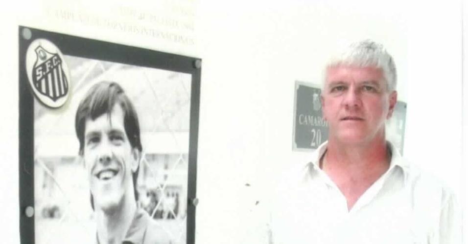 Marolla, ex-goleiro do Santos que agora se dedica a captar recursos para hospital do câncer na cidade de Jaú