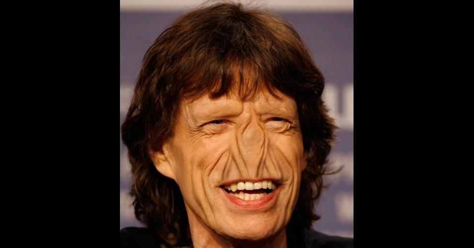 """O site """"Freaking News"""" reúne fotos de celebridades que tiveram os narizes retirados em editores de imagens. Em alguns casos, os famosos perderam também a sobrancelha, como no caso do músico Mick Jagger, da banda """"Rolling Stones"""""""