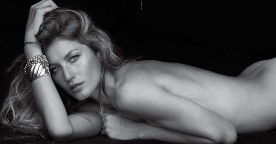 13.fev.2013 - Gisele Bündchen posa sem roupa para campanha publicitária de marca de joias