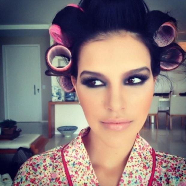 14.fev.2013 - A atriz Mariana Rios publicou em sua página no Instagram uma foto em que aparece maquiada e com bob no cabelo. A foto faz parte das ações de divulgação da noiva de Di Ferrero, vocalista do NX Zero, para seu novo blog de moda e beleza