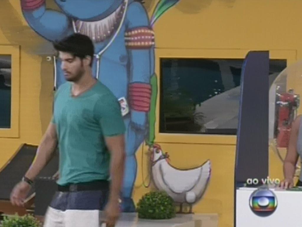 14.fev.2013 - Marcello responde de forma diferente de Fernanda, Eliéser e Anamara e é eliminado da sexta prova do líder