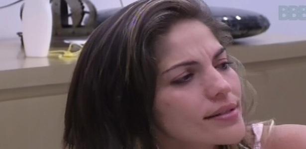 15.fev.2013 - Anamara, Andressa e Nasser discutem sobre comportamento de Eliéser dentro do reality