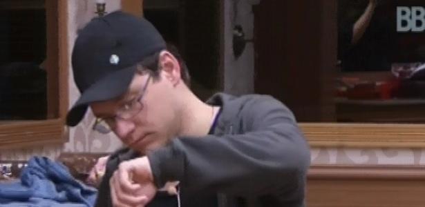 15.fev.2013 - Ivan reclama que nunca é sorteado para nada no