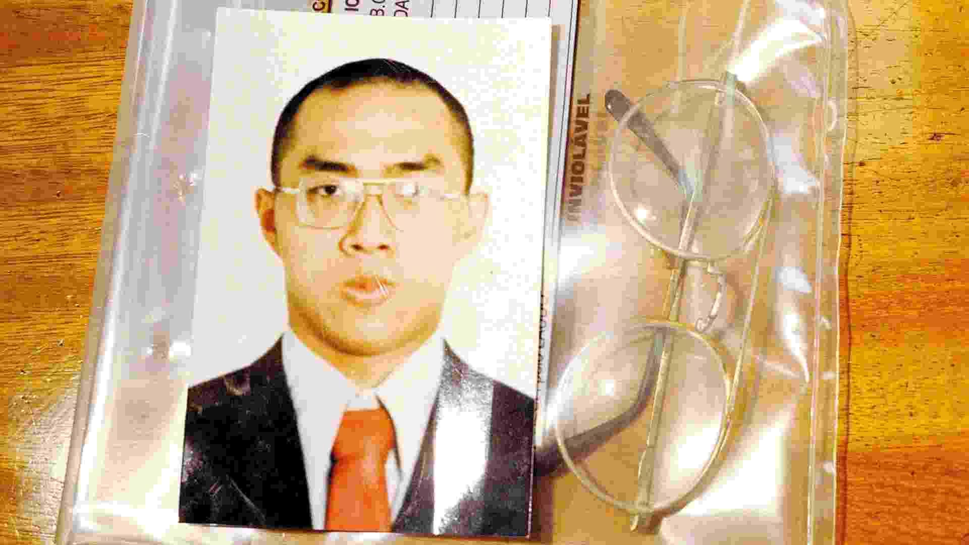 19.abr.1999 - O calouro da Faculdade de Medicina da USP, Edison Tsung Chi Hsueh, foi encontrado morto dentro de uma piscina após um churrasco de recepção organizado por veteranos - César Rodrigues/Folhapress