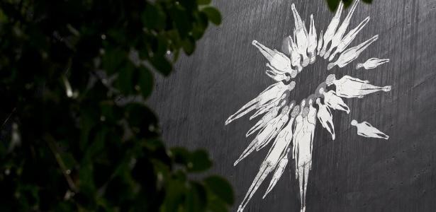 Grafite de Herbert Baglione, que expõe seus trabalhos na França - Eduardo Anizelli/Folhapress