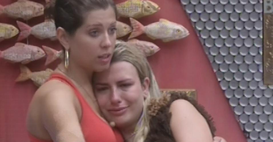 16.fev.2013 - Fernanda cai no choro após aviso da produção para brothers fazerem a mala de Kamilla