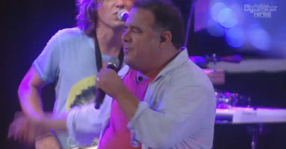 16.fev.2013 - Leo Jaime anima festa Disco com sucessos dos anos 1980