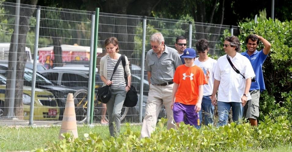 17.fev.2013 - De férias no Brasil, o ator Harrison Ford esteve no heliponto da Lagoa Rodrigo de Freitas, zona sul do Rio. Ele estava acompanhado da mulher, Calista Flockhart e do filho, Liam