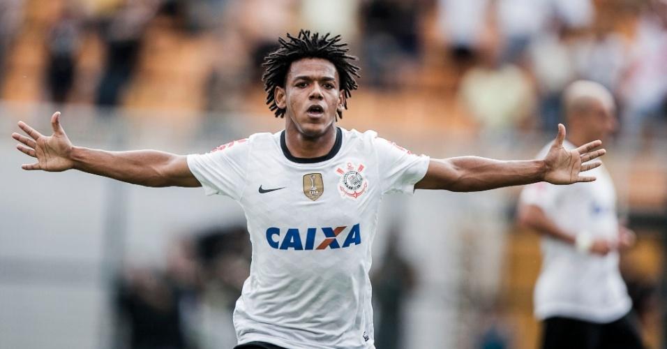 17.fev.2013- Romarinho comemora após marcar gol de empate para o Corinthians contra o Palmeiras no Pacaembu