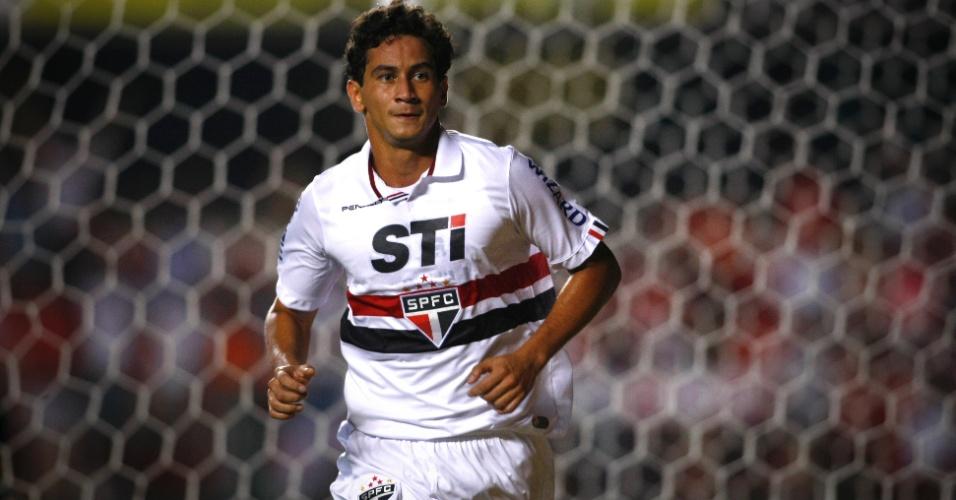 16.02.2013 - Paulo Henrique Ganso comemora gol marcado com a camisa do São Paulo