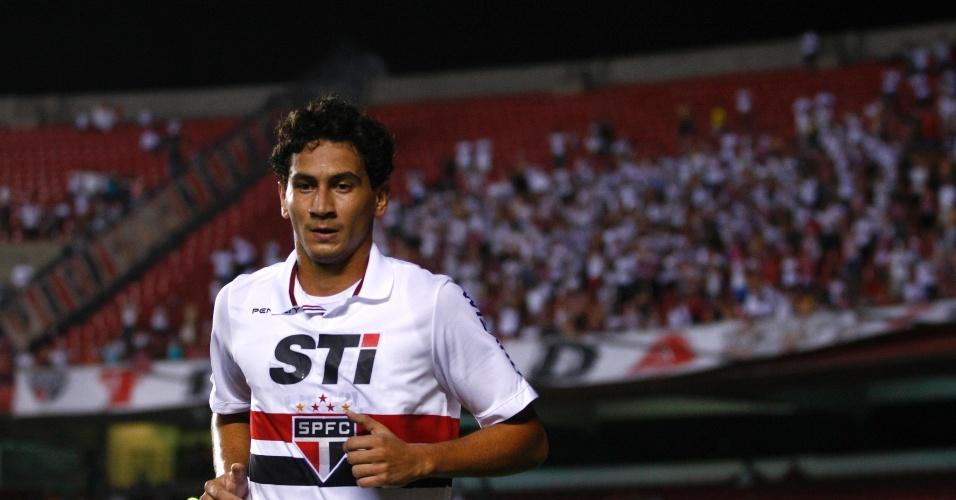 16.02.2013 - Paulo Henrique Ganso corre para comemorar gol da vitória em cima do Ituano