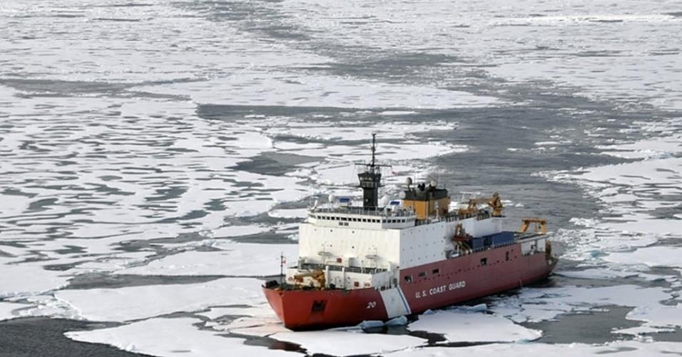 A calota de gelo no Ártico teve uma baixa recorde de 3,4 milhões de quilômetros quadrados em 2012, alerta programa da ONU (Organização das Nações Unidas). A diminuição é perigosa ao facilitar a corrida por recursos naturais no local, como gás e petróleo, cujas atividades podem ameaçar o ecossistema e a vida silvestre no polo Norte do planeta, além de ser um forte indicador do aquecimento global
