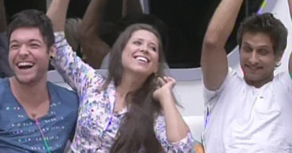 18.fev.2013 - Andressa venceu Eliéser no jogo da discórdia e escolheu Nasser para ter o poder do