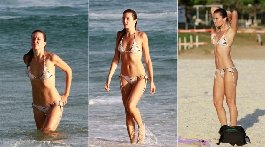 18.fev.2013 - Ellen Jabour curtiu a praia da Barra da Tijuca, na zona oeste do Rio