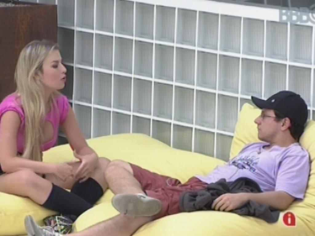 18.fev.2013 - Fernanda admite para Ivan que votou nele para o paredão