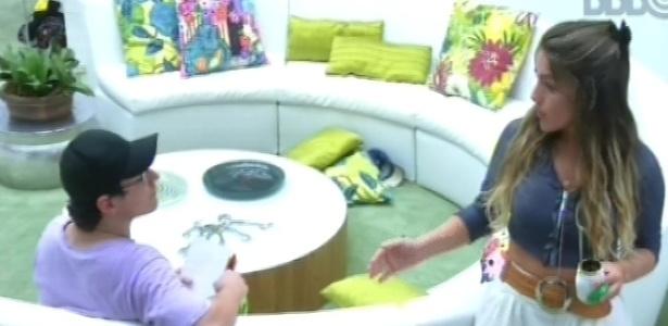 18.fev.2013 - Ivan diz para Anamara que não esperava receber quatro votos para o paredão