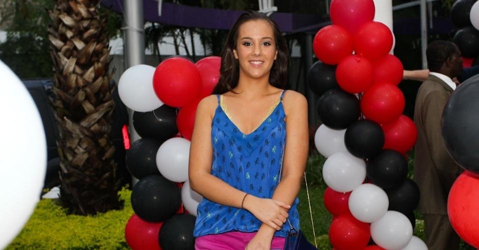 18.fev.2013 - Lara, primogênita de Faustão, prestigiou o aniversário do irmão João Guilherme