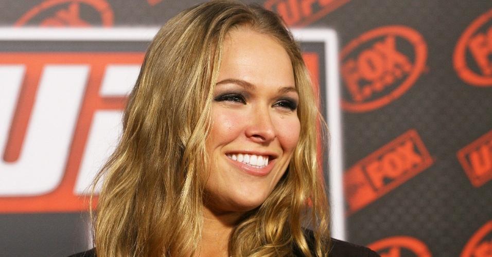 Ronda Rousey é a estrela da primeira luta feminina do UFC, na edição 157; ela encara Liz Carmouche, para provar o título de campeã do Ultimate