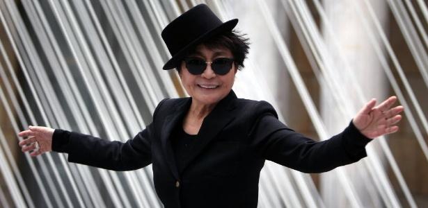 """Yoko Ono na abertura de sua exposição, """"half-a-wind show"""", em Frankfurt, na Alemanha (14/2/13) - AFP"""