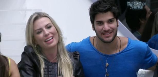 Fernanda e Marcello ficaram próximos no reality
