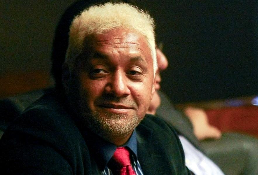 19.fev.2013 - O deputado federal Tiririca (PR-SP) apareceu no plenário da Câmara com o cabelo pintado de loiro, nesta terça-feira (19)