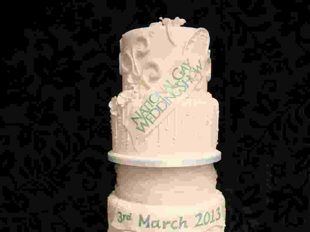 A confeitaria Cake, localizada em Chester, no Reino Unido, criou um bolo de casamento (foto acima) que custa £ 32.4 milhões (aproximadamente R$ 97 milhões) - Divulgação/Cake