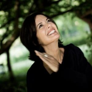 """A escritora Debbie Ford, autora de """"O Efeito Sombra"""" - Divulgação"""