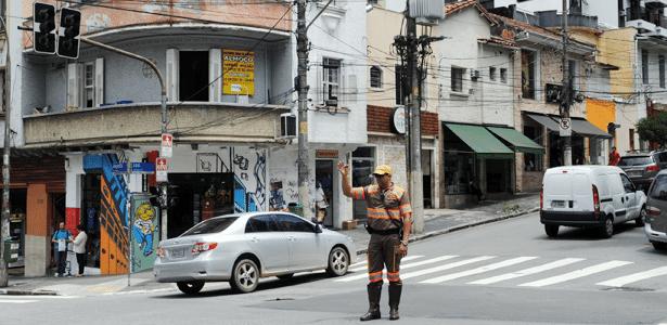 Quem circula em São Paulo (SP) sabe: choveu, apagou (o semáforo), parou (o trânsito). Reclamar a quem? - Alexandre Moreira/Brazil Photo Press