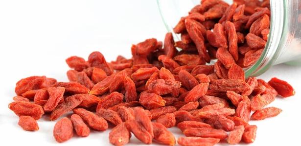 Cada 100 gramas, ou uma xícara de chá da versão seca, contém 2500 miligramas de vitamina C - Thinkstcok