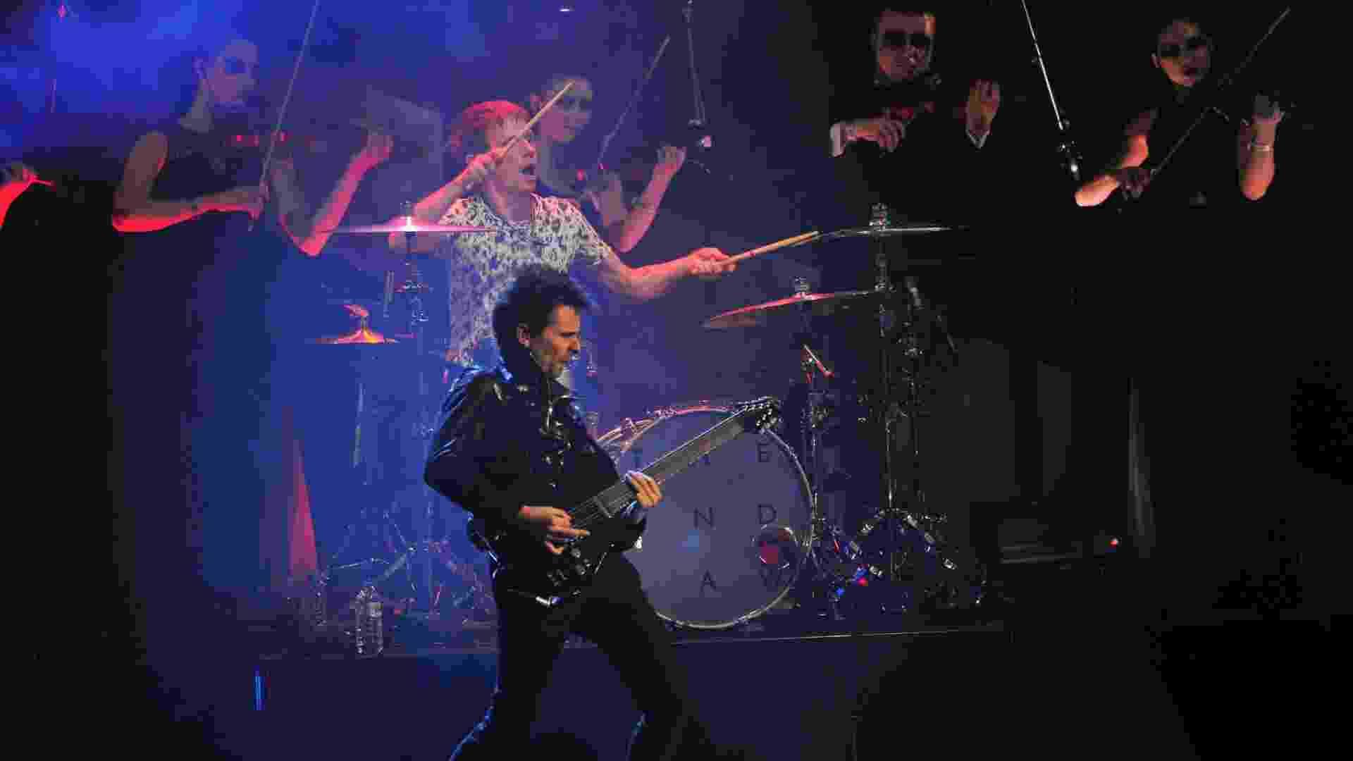 20.fev.2013 - A banda Muse se apresentou durante o Brit Awards 2013, em Londres - Getty Images